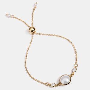 Golden pearl bracelet